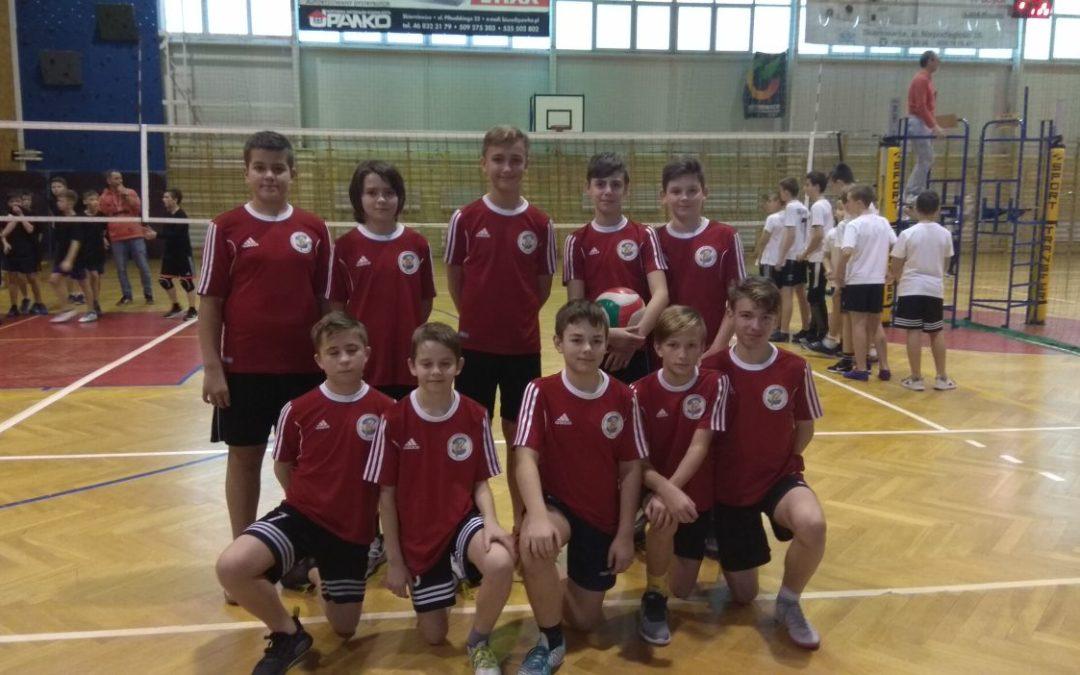 Powiatowy turniej siatkówki dla chłopców