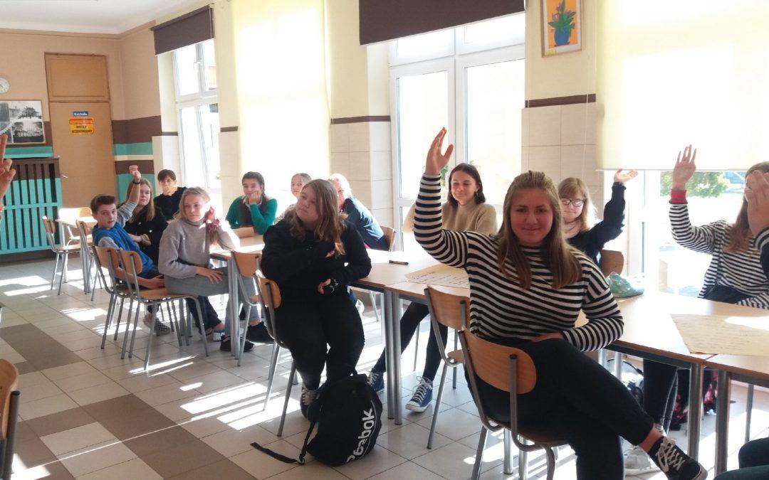 "Uczniowska debata na temat: ""Nasza Szkoła – Nasza Sprawa""."